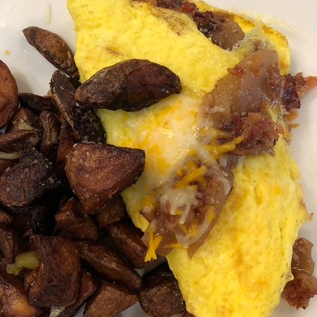 The Inn at Furnace Creek Dining Room : Death Valley Omelet