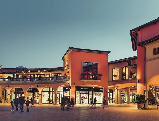 ‪Valdichiana Outlet Village‬