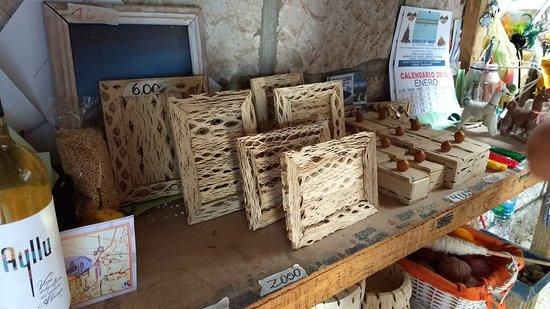 Toconao, Chile: Artesanato local com madeira de cacto