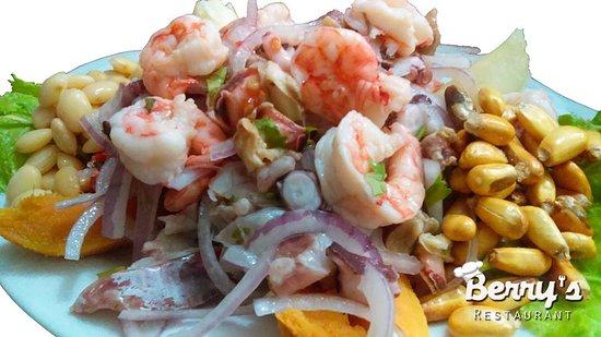 Paita, Perú: Ceviche Mixto