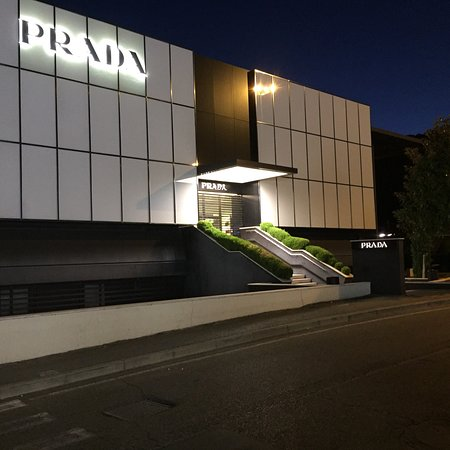 Prada Outlet (Space): Non solo shopping ma anche winery