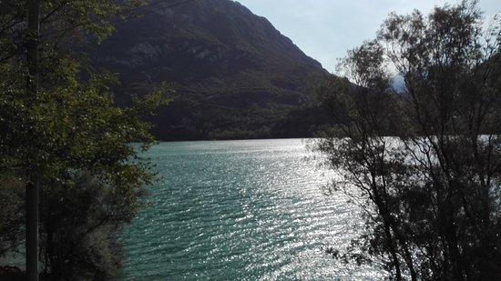 Cavazzo Carnico, Италия: Lago di Cavazzo