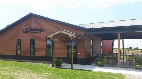 Amherstburg, Kanada: Tasting Room, Brewhouse and Patio space is available.
