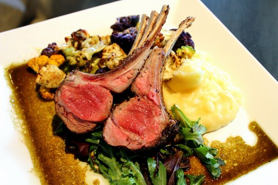 Orange, VA: Rack of lamb
