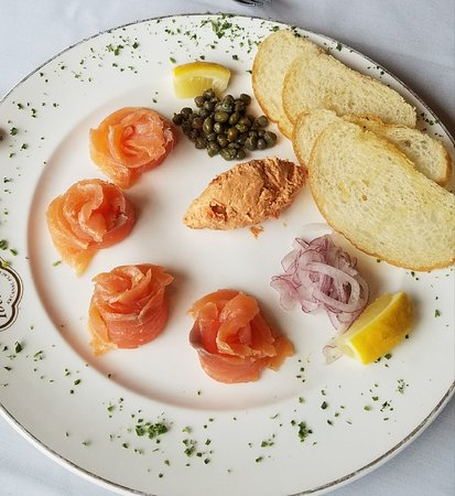 The Copper Door: Smoked salmon appetizer