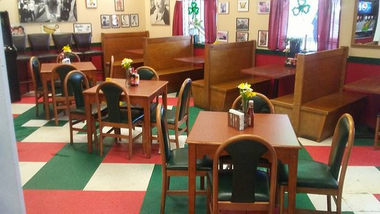 Crozet, VA: We have lots of room in our expanded dining room!