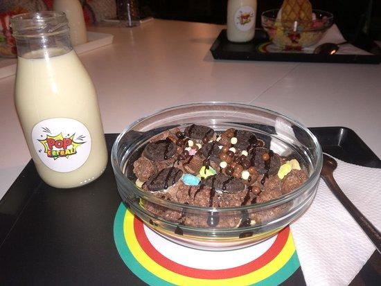 5 heaven is made of chocolate com leite de soja foto de pop