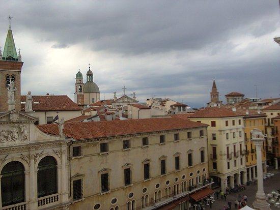 Panorama dalla Basilica Palladiana - Picture of Gira Vicenza ...