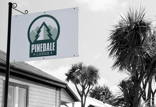 Pinedale Lodge & Apartment: Sign