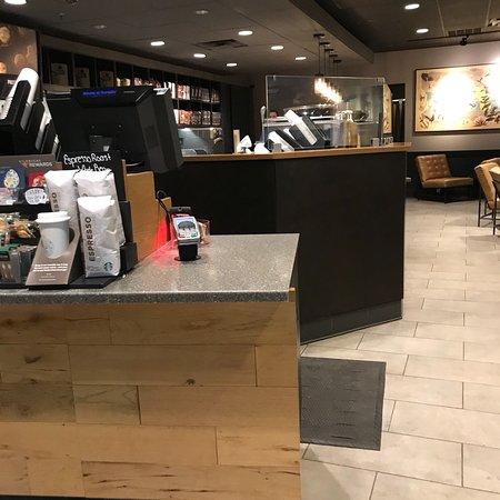 Bayport, นิวยอร์ก: Starbucks