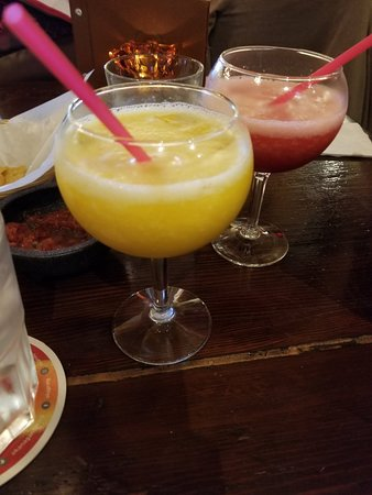 Las Margaritas : Happy hour 2:30 - 5:30