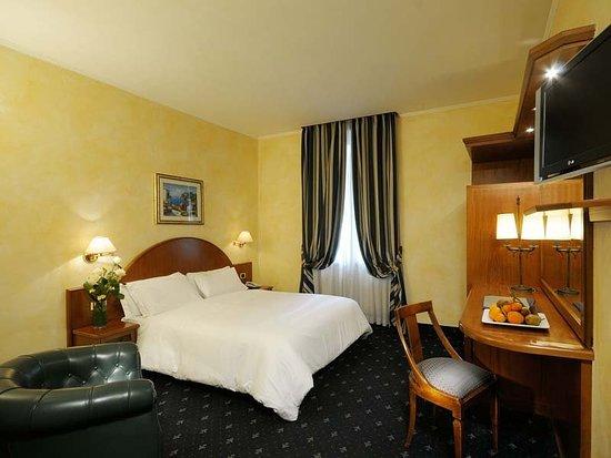 Nuovo Hotel Quattro Fontane: Guest room