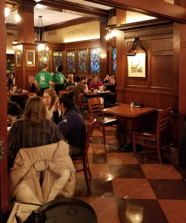 The Berghoff Restaurant: more woodwork