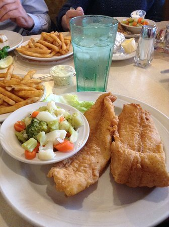 Attica, IN: Good standard fried foods...