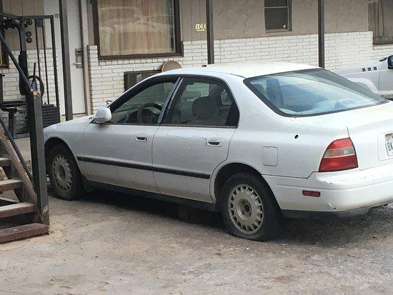 Άλπαϊν, Τέξας: Another run down car