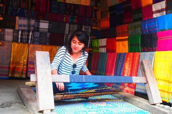 Traditional Weaving Experience
