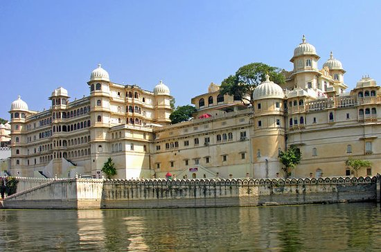 Private Custom Tour: Udaipur ...