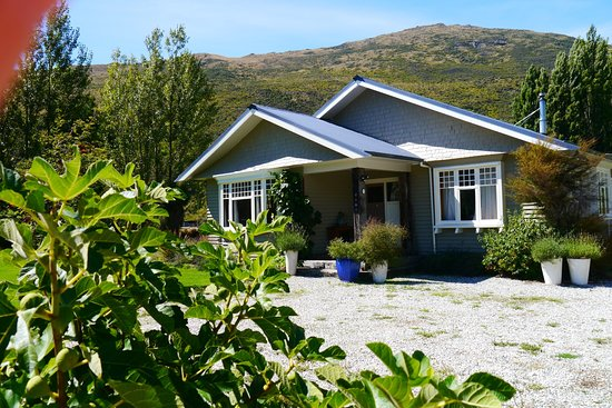 Entrance - Picture of Pip's Orchard Bed & Breakfast, Queenstown - Tripadvisor
