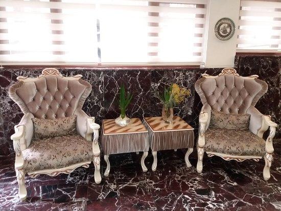 Lausos Hotel : Foyer