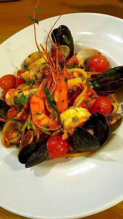 L'Olivo Ristorante: Linguine with sea food