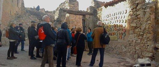 Terra Enllà. Visita guiada al Pueblo Viejo de Corbera d'Ebre / Poble Vell de Corbera d'Ebre