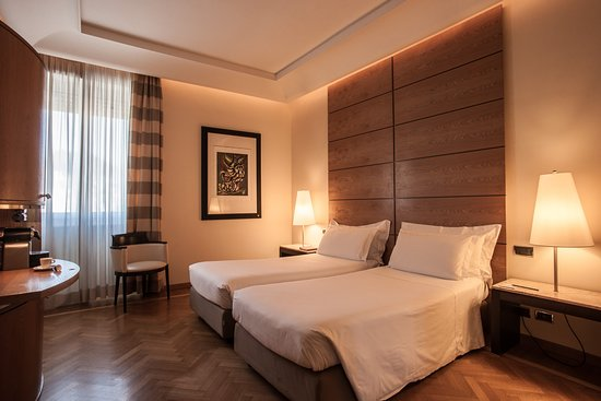 Fortyseven Hotel Rome: twin bed in classic room
