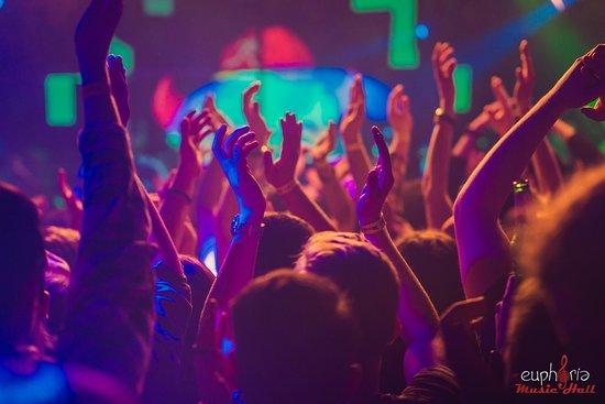 Κλουζ-Ναπόκα, Ρουμανία: Put your hands in the air!!!