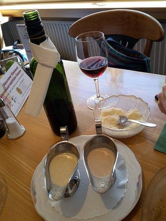 Hospental, سويسرا: Dole wine...