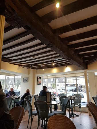 Huffkins: Tea room