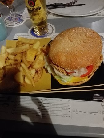 The Temple Bar: hamburger con patatine