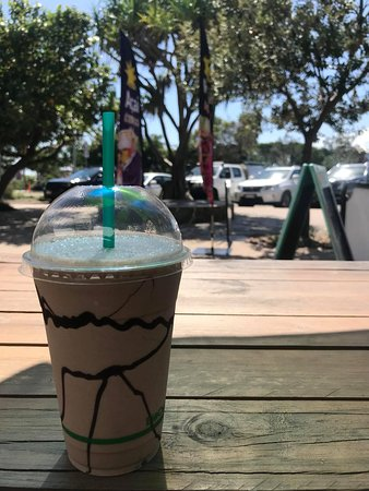 Coolum Beach, Australia: Gelato Milkshakes! $6 22 Flavours to Choose from, from Apple Pie to Salted Caramel!
