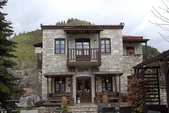 Korischades, Grecja: Villaggio cafe - Κορυσχάδες, Καρπενήσι