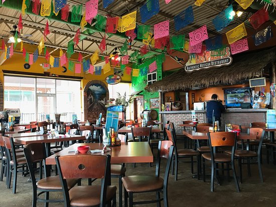 Las Palapas: Light and cheery with great background music