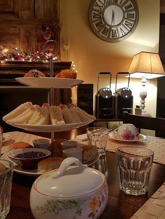 Litteau, Frankrike: afternoon Tea Time