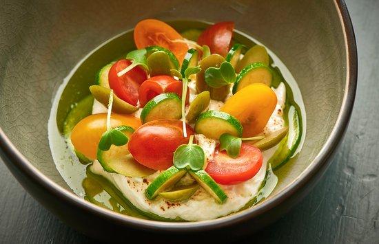 tommys by janssen burrata met cherrytomaat groene olijf courgette basilicum