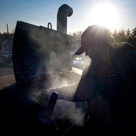 Vergennes, VT: Porky's Backyard Barbecue