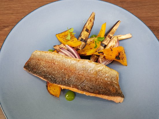 Modrice, República Checa: fish with grilled vegetables