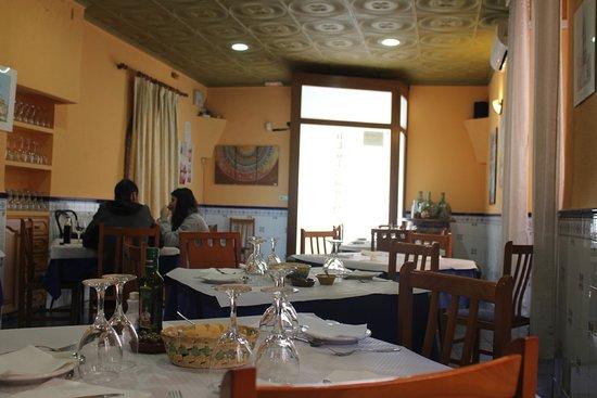 Otra vista del comedor picture of bar restaurante casa for Proposito del comedor buffet