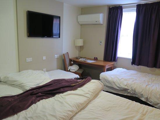 Premier Inn Oxford Hotel Family Room Arrangements For 4