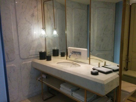 The Bathroom Picture Of Design Hotel Chennai By Justa Chennai Madras Tripadvisor