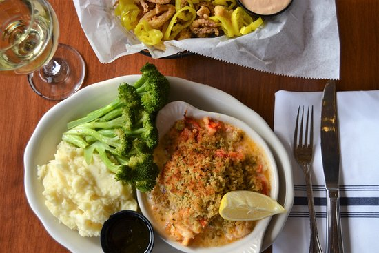 Seaport Grille: Seafood Dinner