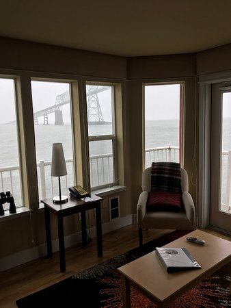 Cannery Pier Hotel: Suite #211