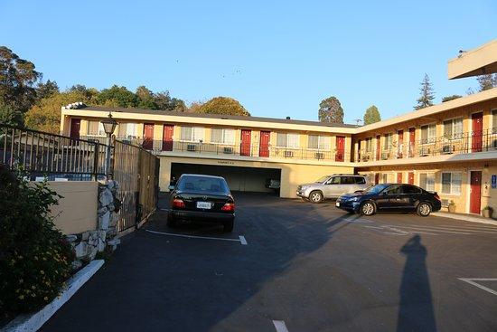 The Islander Motel: Hotel Extreiorr