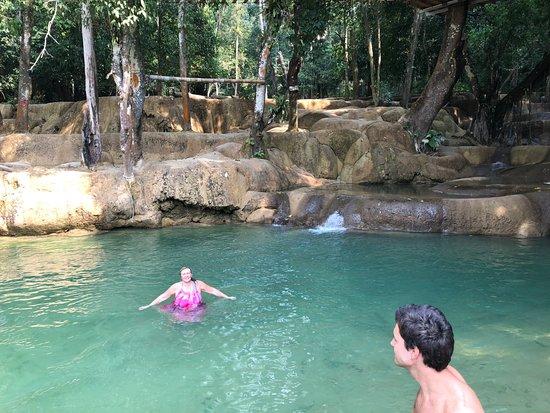 Tad Sae Waterfall: poza para bañarse
