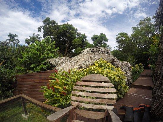 Isla Solarte, Panama: Bungalow sitting area