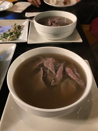 Redmond, Etat de Washington : Beef Pho (split into two bowls)