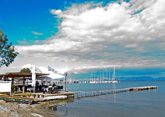 Petriti, اليونان: Aussenterrasse mit Bucht, Limnopoula, Petritis, Korfu, Griechenland