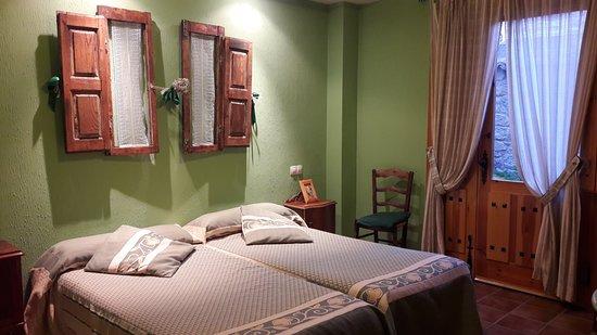 """Navalagamella, Spain: Dormitorio en """"La Cocina"""""""
