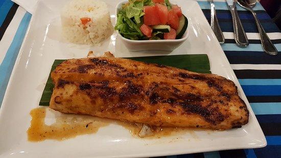 Los Arcos Restaurant: Lonja de pescado