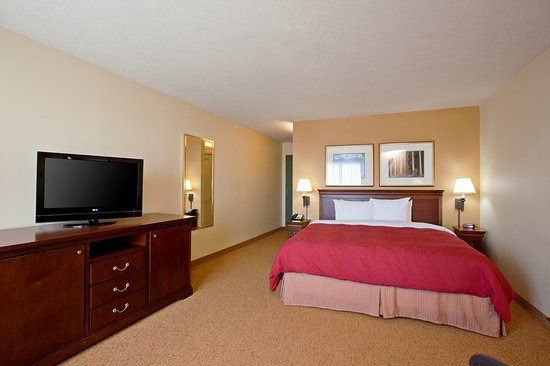 Country Inn & Suites by Radisson, San Diego North, CA: Guest room